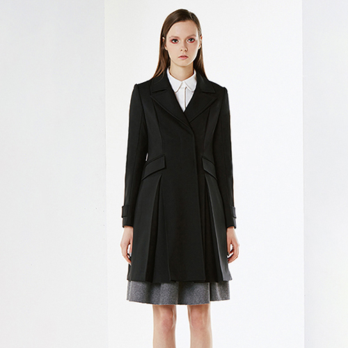 아라크네 ARACHNE Grand lapels inverted pleats  coat