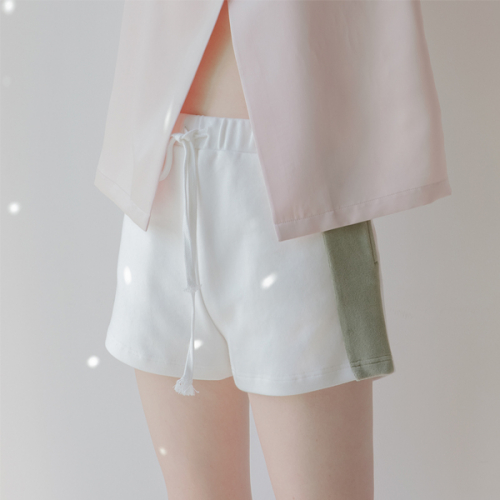 [블레어바이스퀘어] [blair by square] Colour Block Shorts (2 Color)