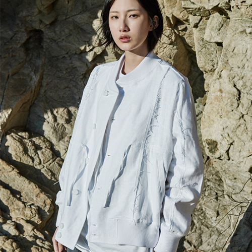 [프롬더예스터데이]MA-1 JUMPER WITH RAW EDGES DETAIL white