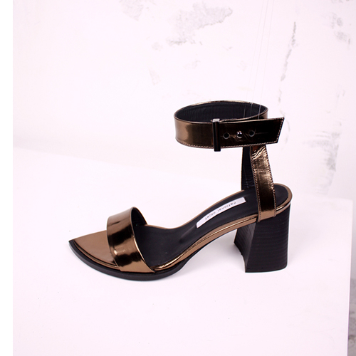 [레셔날오브제] Pointed toe strap sandals