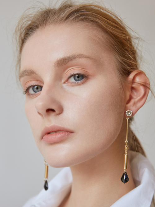 마티아스[MATIAS] Baroque gold bar Earring