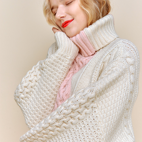 [런던클라우드] COLOR BLOCKING TURTLE NECK _ IVORY