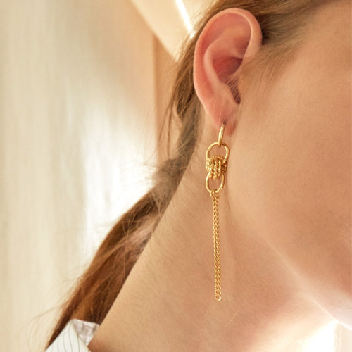 마티아스[MATIAS] Gold twist Earring