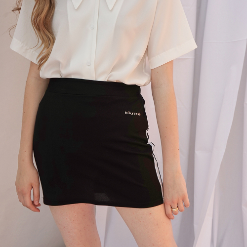 [바이바이섭] LINE MINI SKIRT BLACK