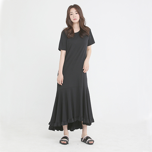 [플라이런웨이] 18S/S BLACK FRILL LONG DRESS
