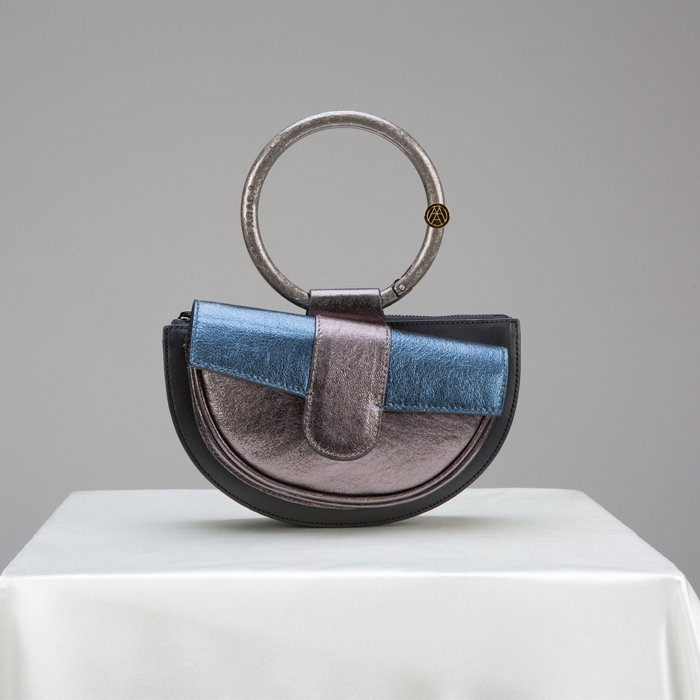 [아라크나인] ENVY BELT BAG - silver navy