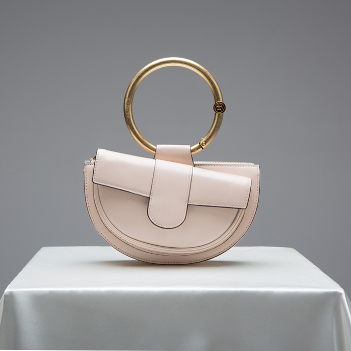 [아라크나인] ENVY BELT BAG - powder beige
