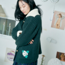[더센토르] CHECK FLOWER EMBROIDERY KNIT CARDIGAN [D/GREEN]