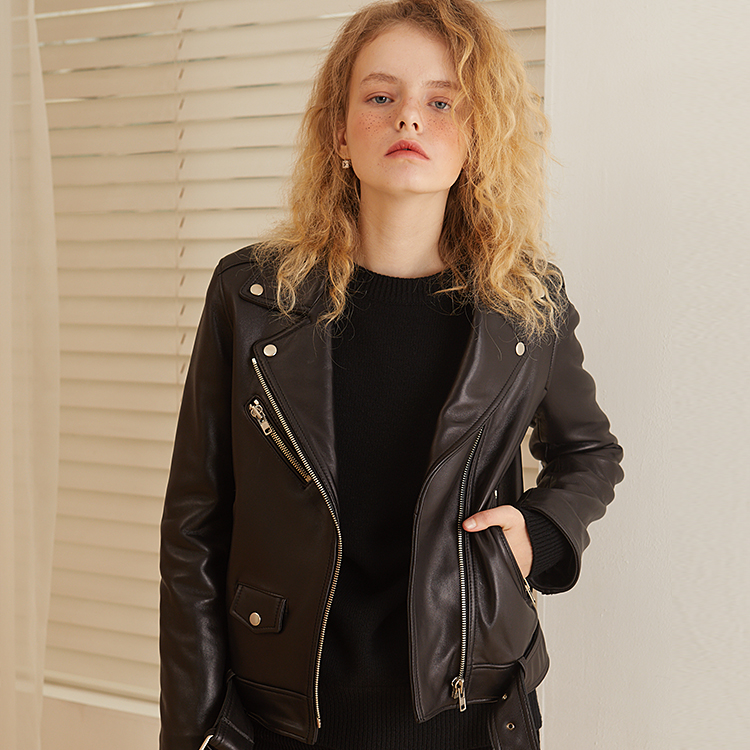[룩캐스트] BLACK LAMBSKIN LEATHER JACKET