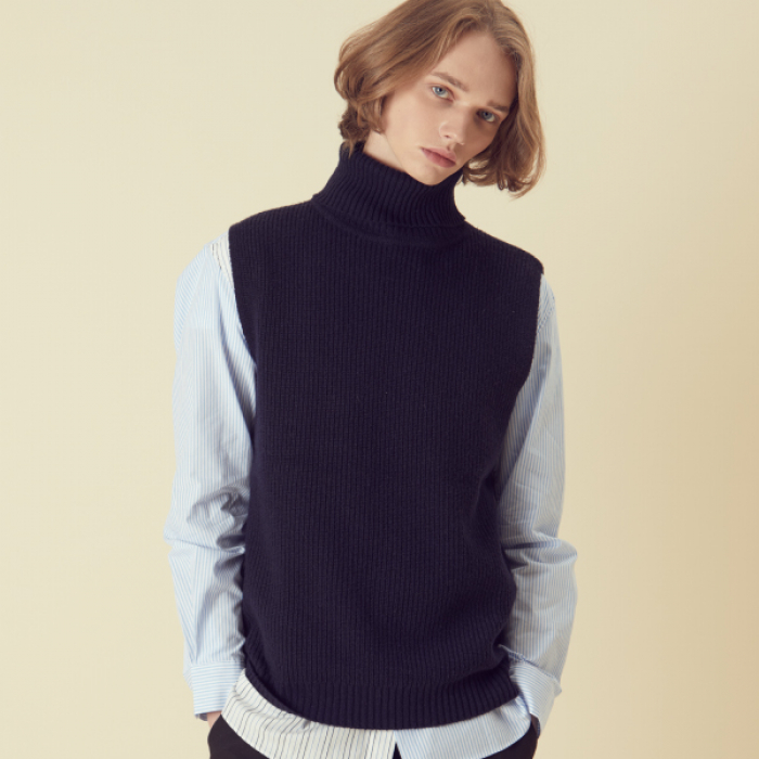 [아르테노] Wool80 Vest Turtle neck Knit - Navy