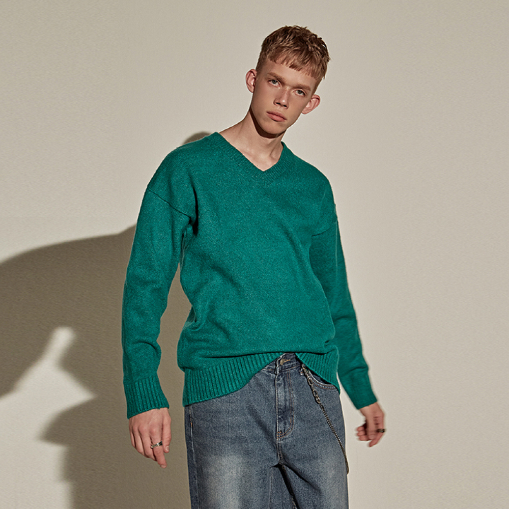 [YAN13] FORMAL V SWEATER_GREEN