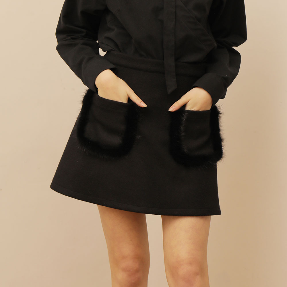 [와드로브] [WARDROBE] MINK POCKET MINI WOOL SKIRT_BLACK