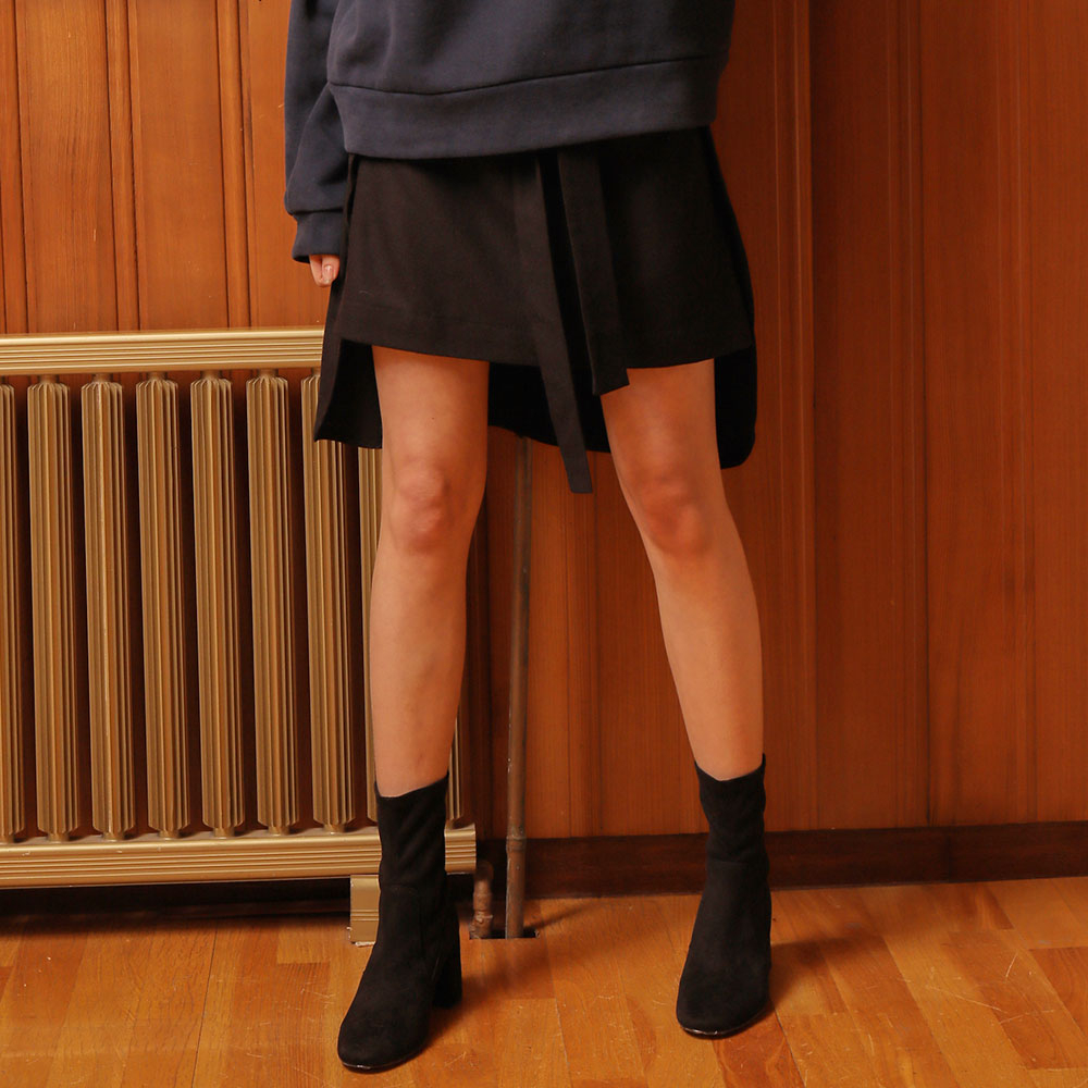 [와드로브] [WARDROBE] WOOL UNBALANCE TIED SKIRT_BLACK