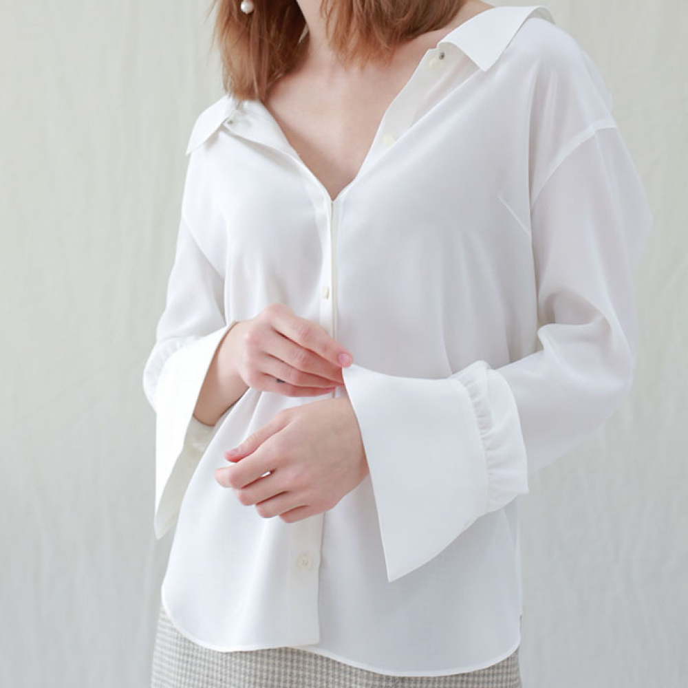 [perla] Flat Collar Blouse