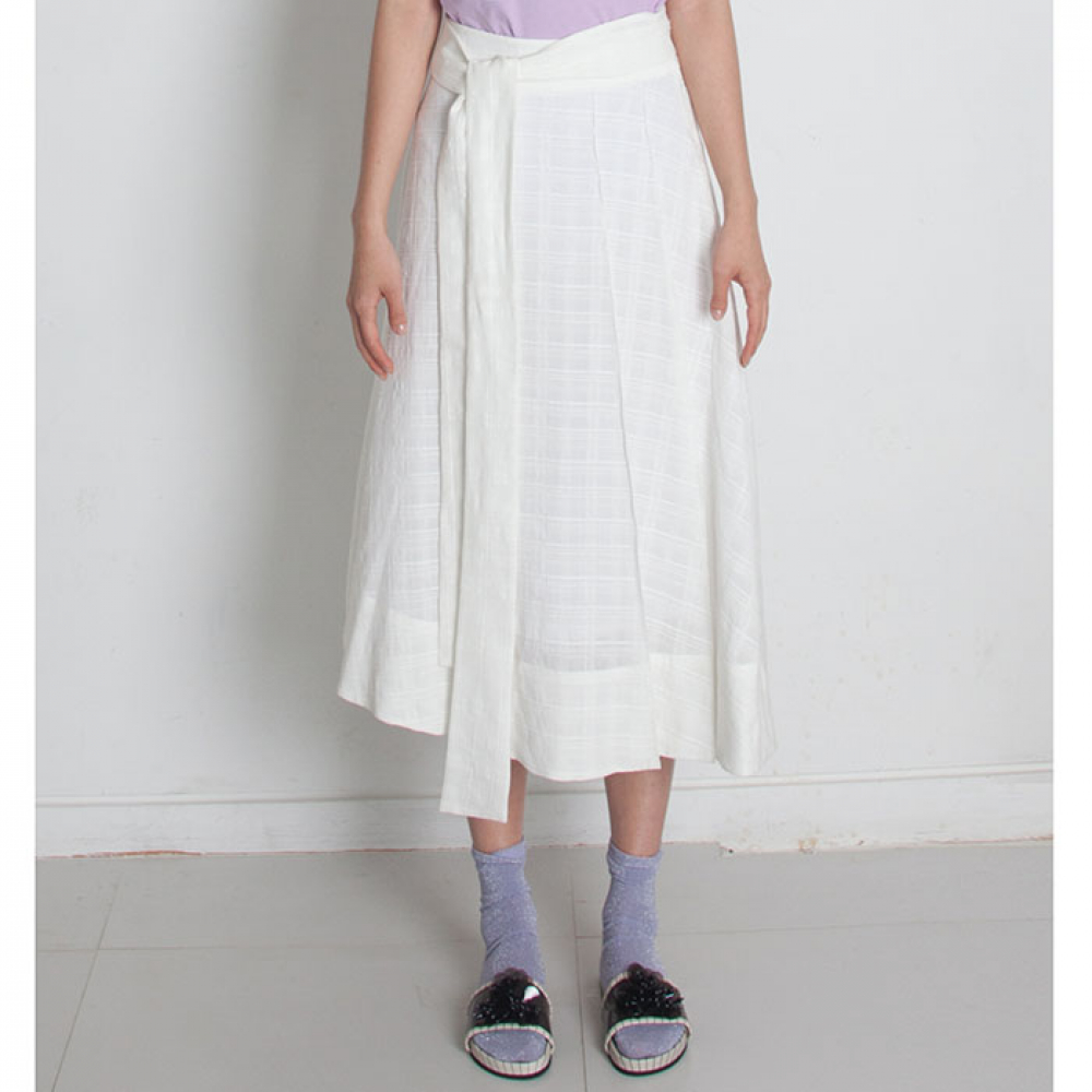 [perla] Belted Midi Skirt (Ivory Check)