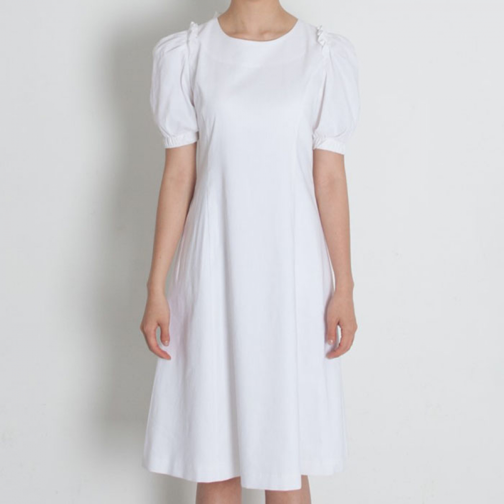 [perla] Drape Sleeve Dress