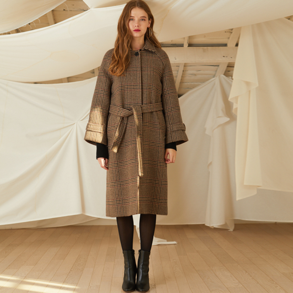 [룩캐스트] BROWN CHECK BELL OVERFIT COAT