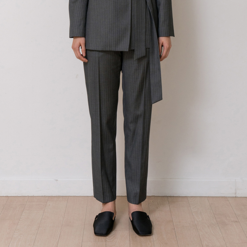 [노타] MINIMAL SLACKS (STRIPE GREY)
