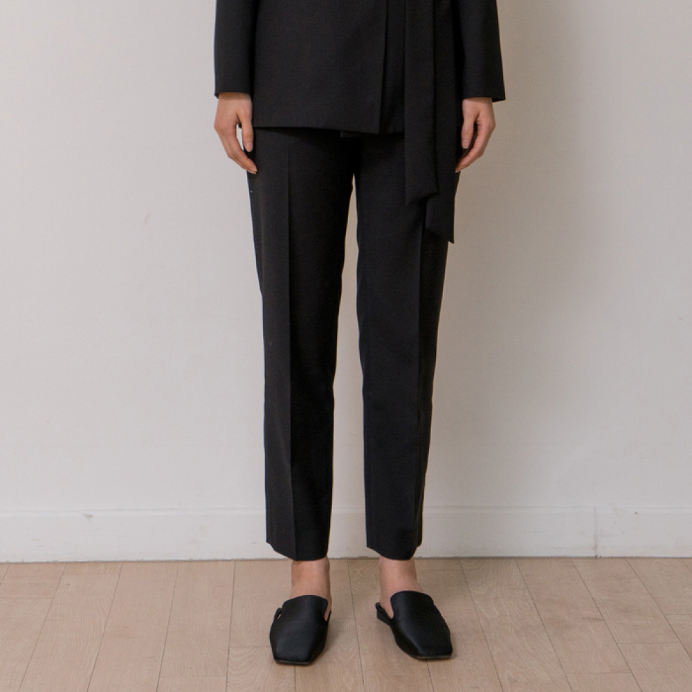 [노타] MINIMAL SLACKS (BLACK)