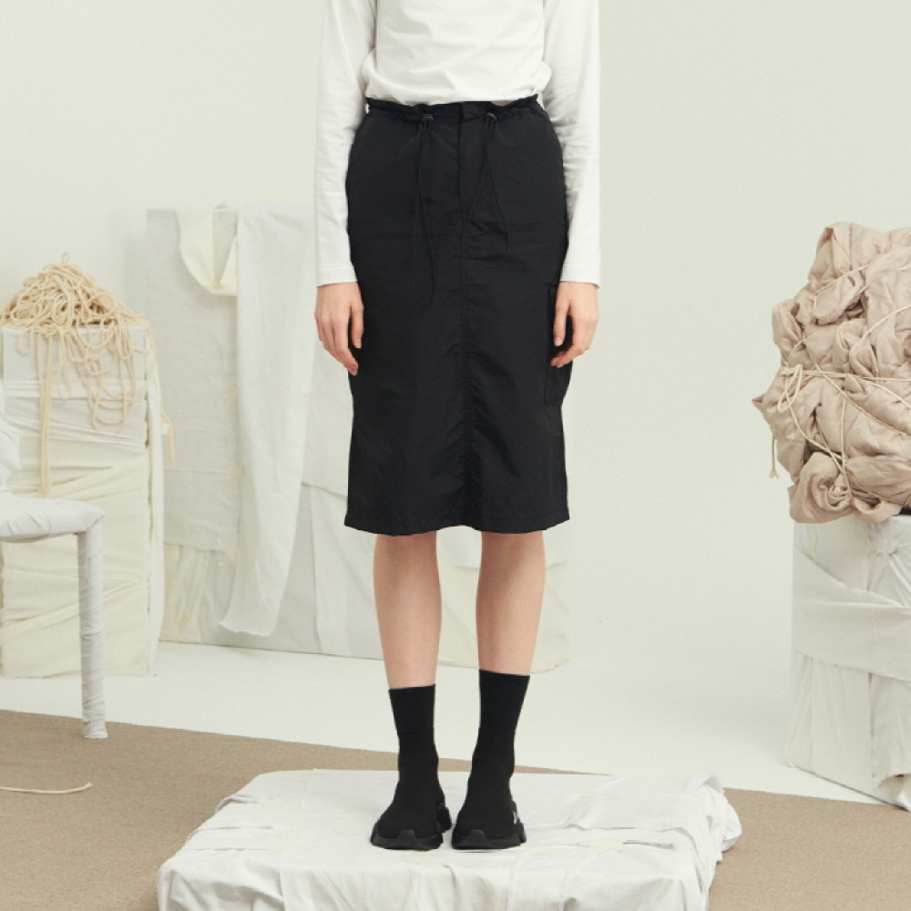 [써틴먼스] WAIST STRING MIDI SKIRT (BLACK)