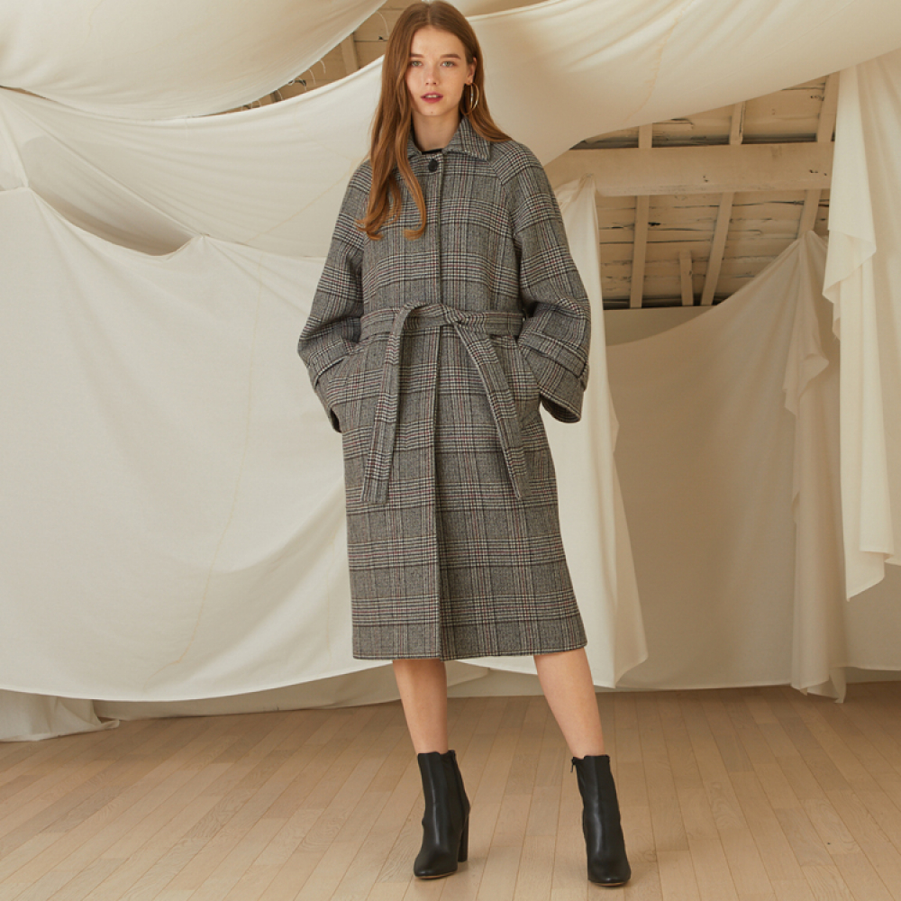 [룩캐스트] GREY CHECK BELL OVERFIT COAT