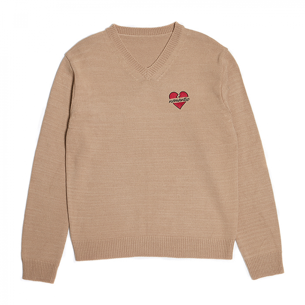 [비욘드클로젯] NOMANTIC BASIC LOGO V-NECK KNIT BEIGE