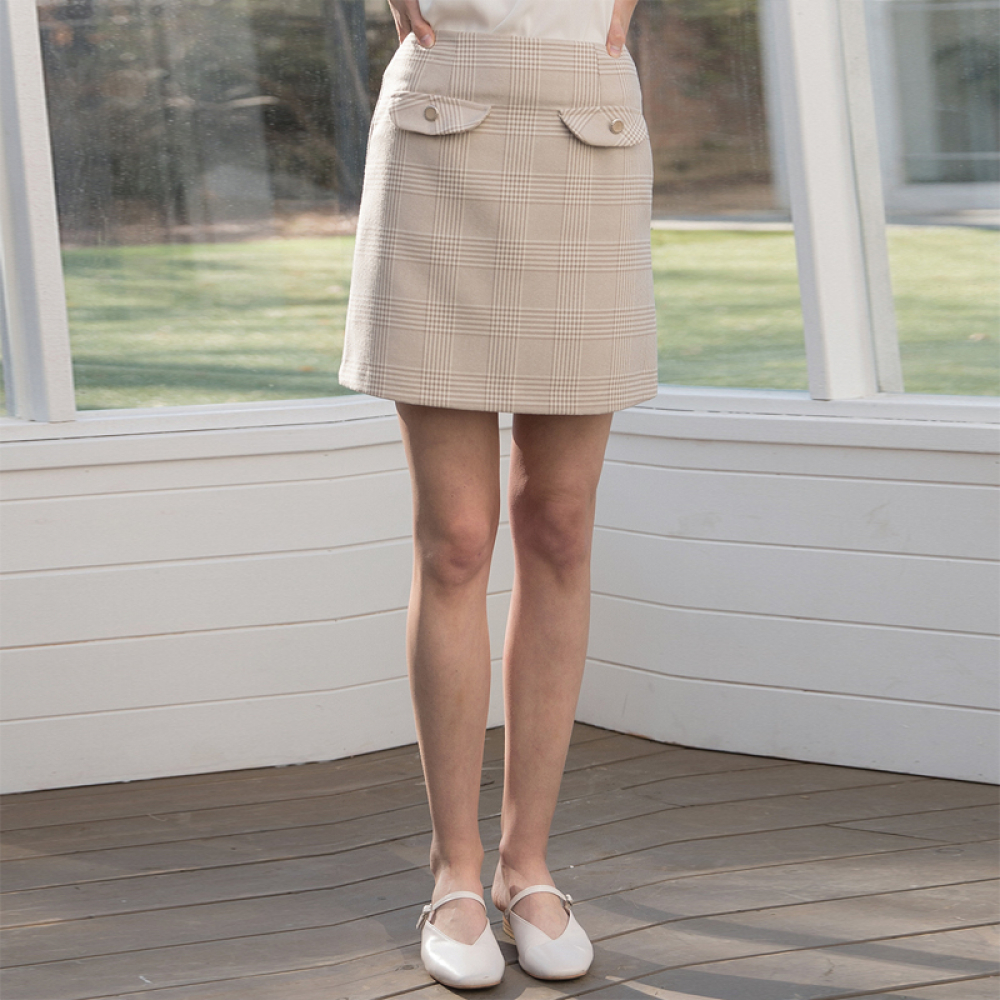 [클렛] CHECK BUTTON SKIRT BEIGE