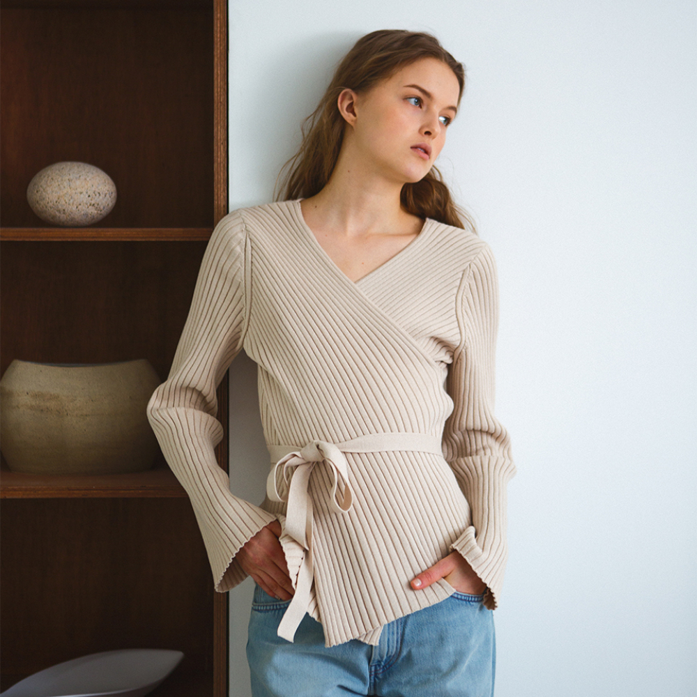 [레티켓스튜디오] Cotton crossover knit, beige