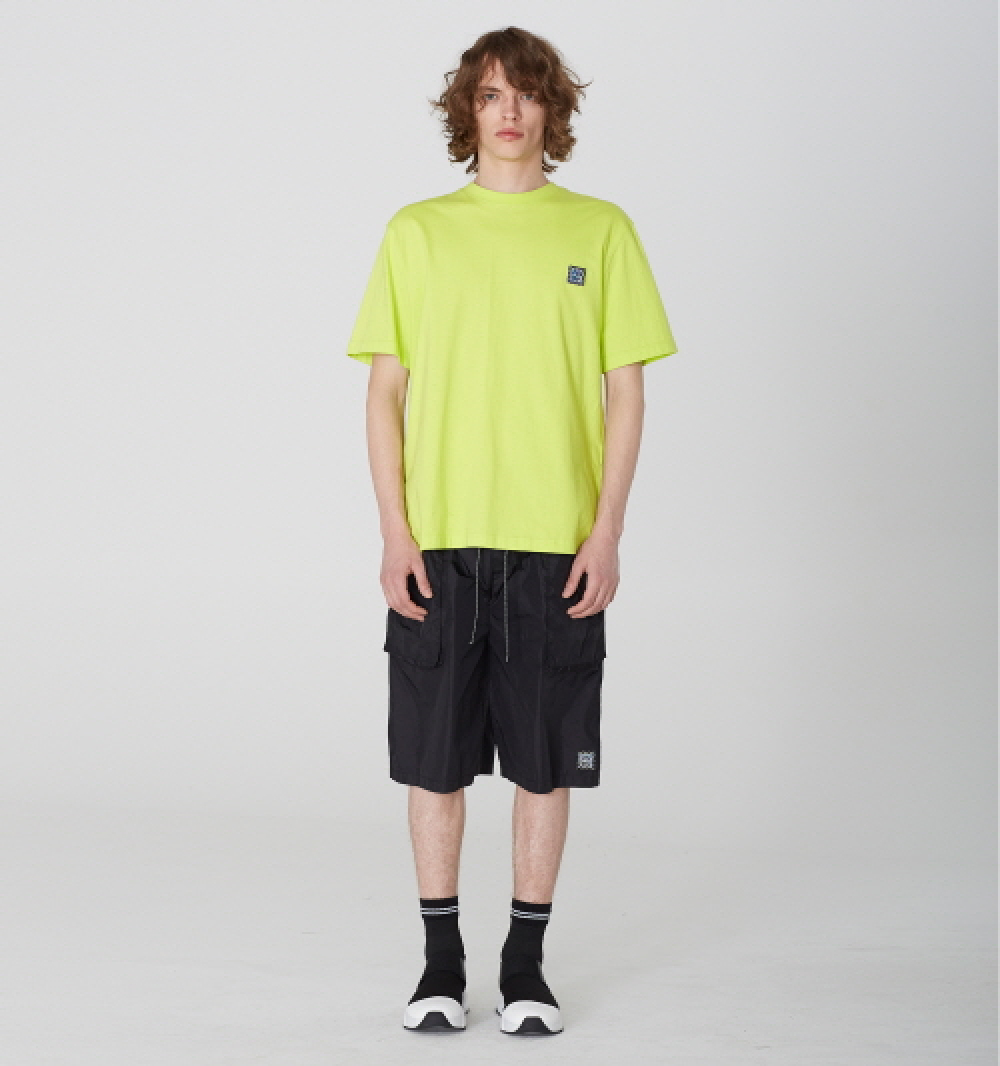 [디바이디그낙] Nylon Oversize Pocket Shorts (BK)