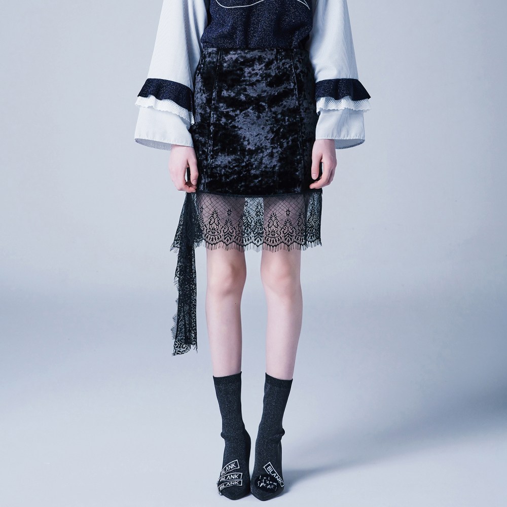 [블랭크] VELVET LACE SKIRT-BLACK