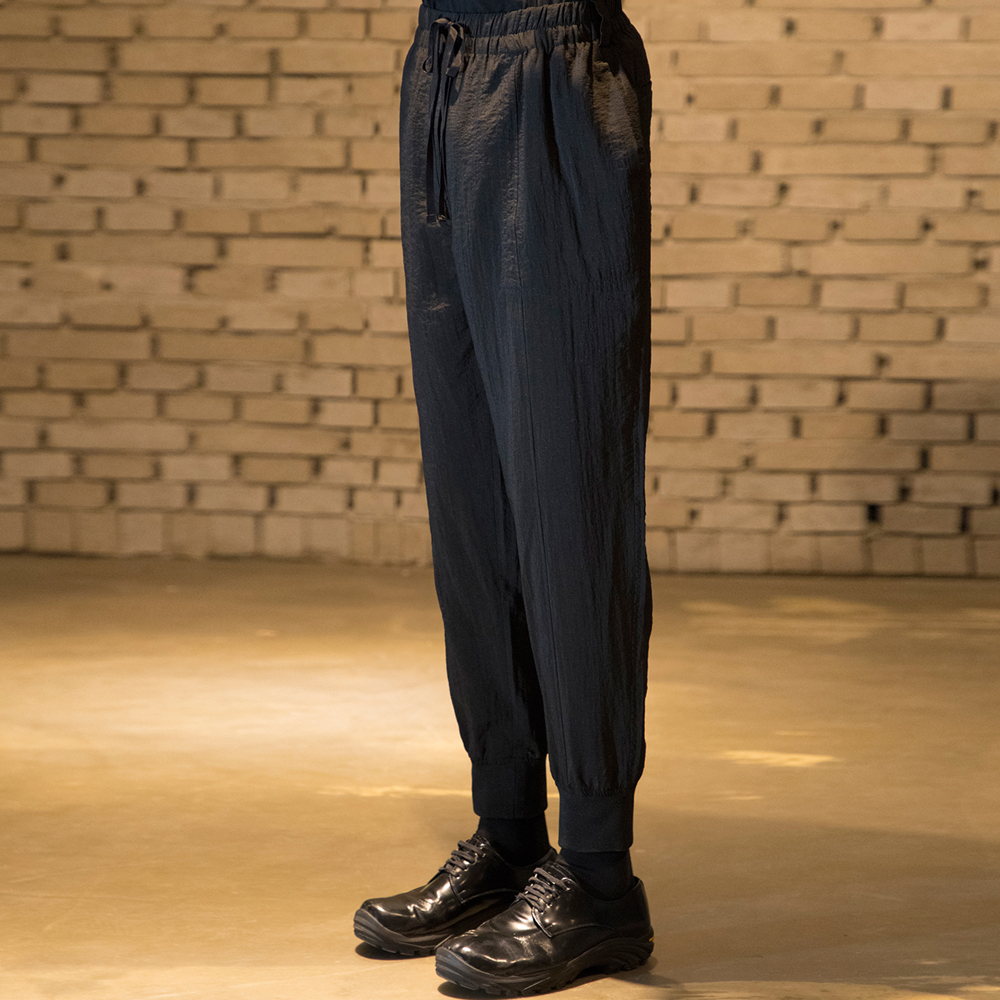 [노이어] Synthetic Banding Jogger Pants