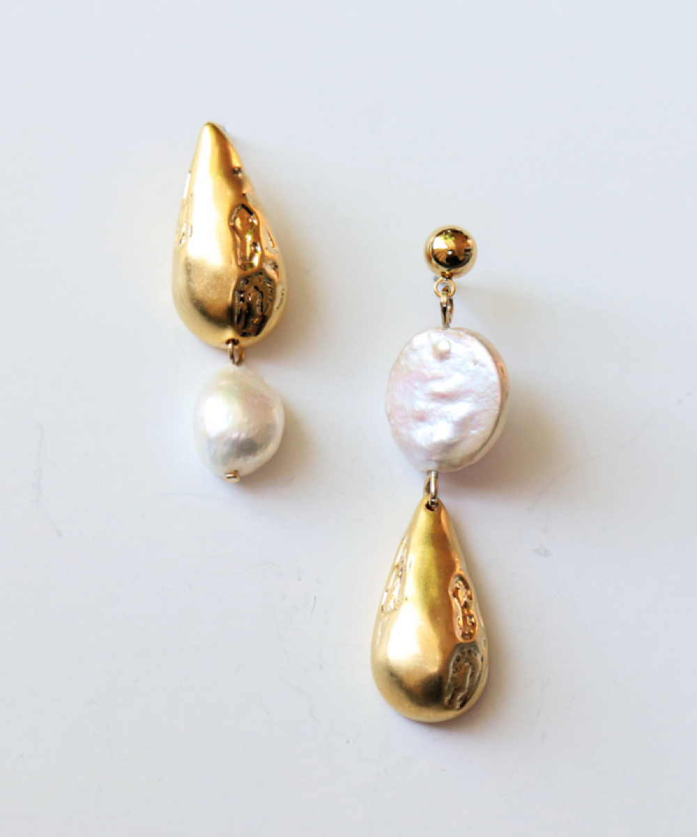 [엘리오나] Golden Drop Earrings