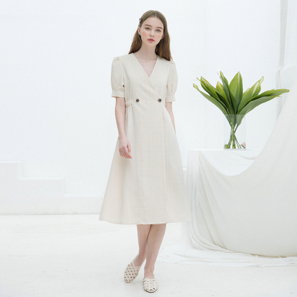[클렛] CHECK WARP BUTTON DRESS BEIGE