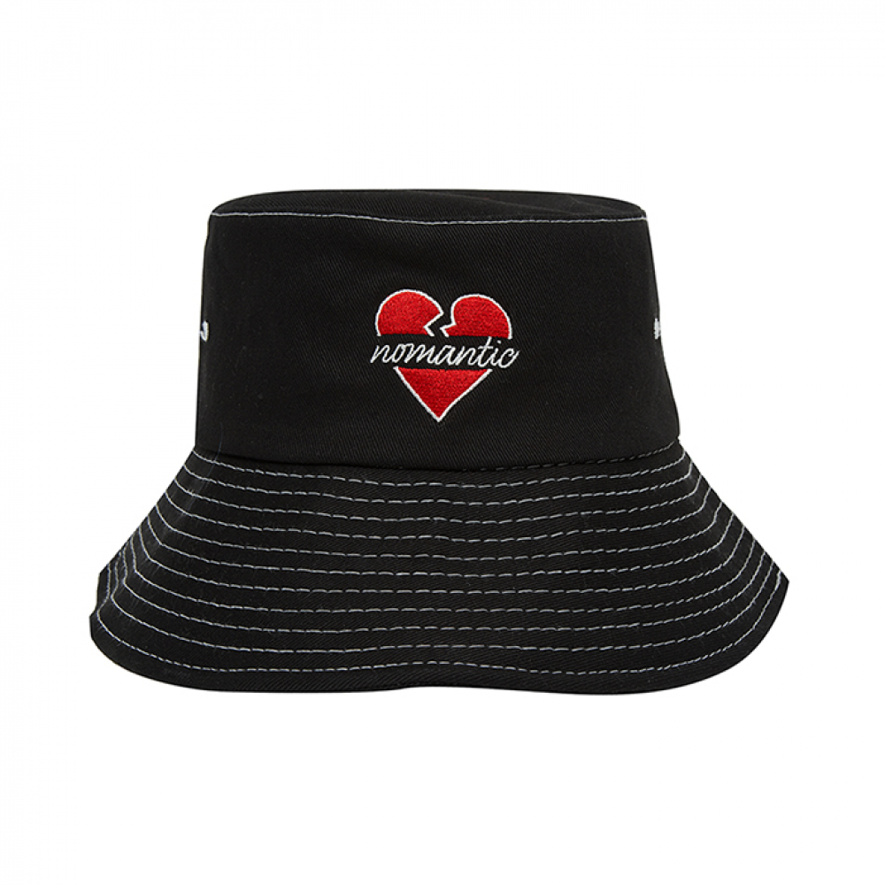 [비욘드클로젯] NOMANTIC SIGNATURE LOGO STITCH BUCKET HAT BLACK