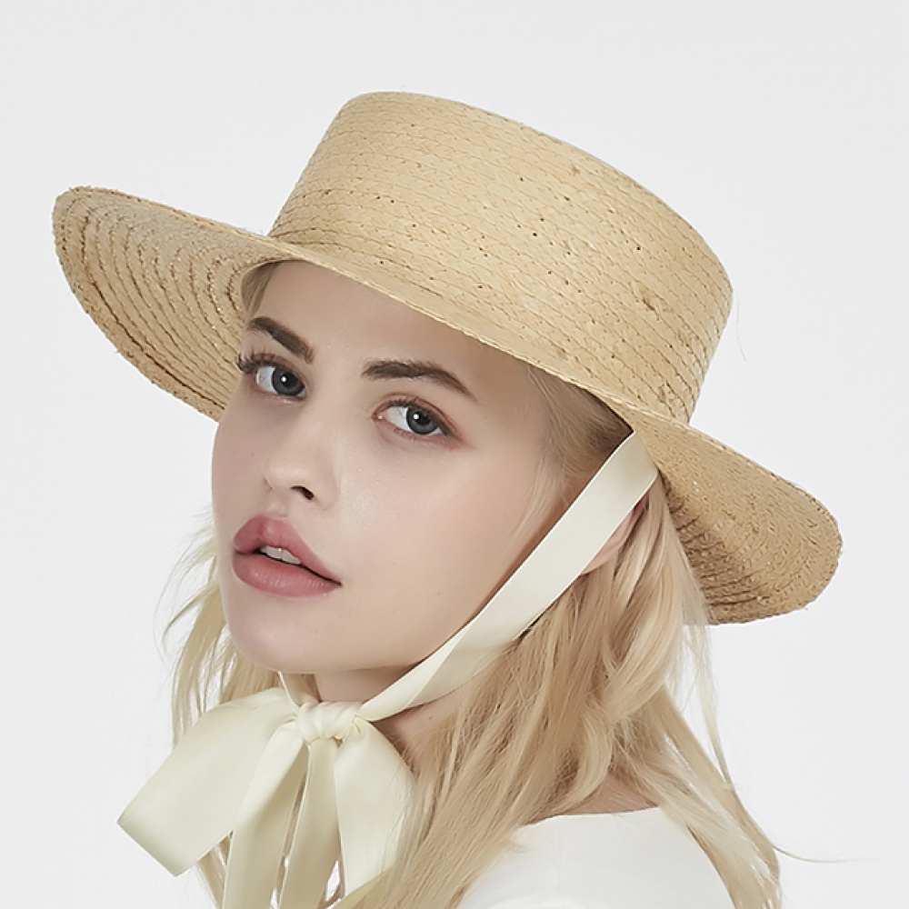 [바잘] Ribbon strap raffia boater hat white