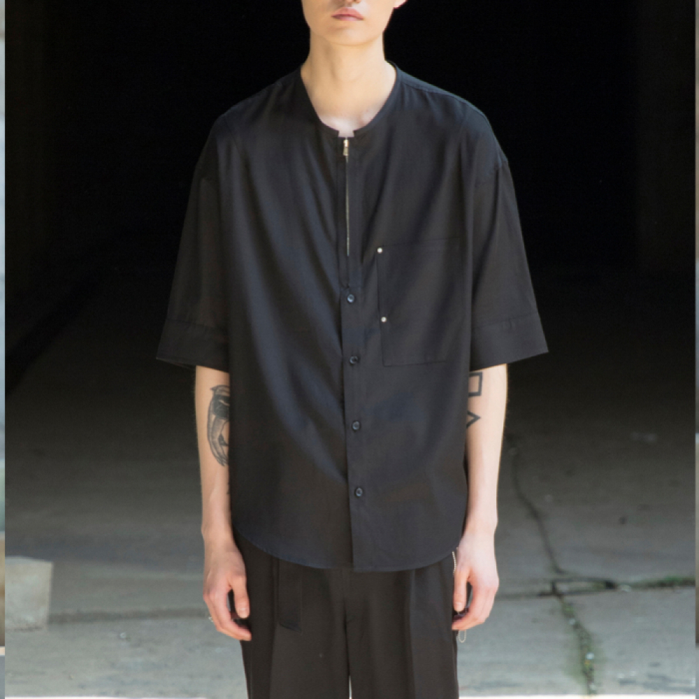 [노이어] Overfit V-Neck Half Shirts BLACK