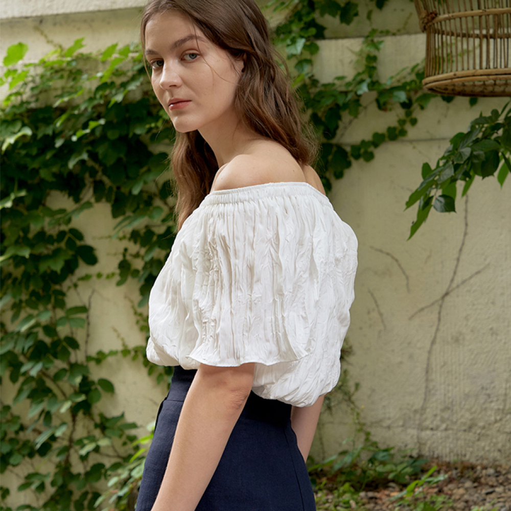[ARETHAT] Pleated Open Shoulder Blouse WHITE
